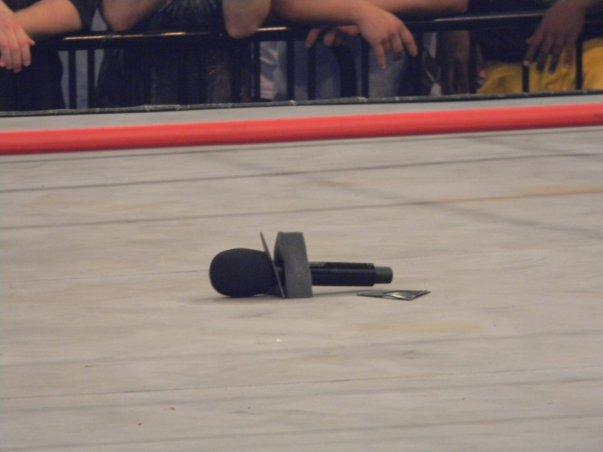 broken_microphone_by_knightnephrite-d32a0eg 2