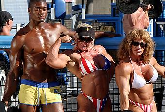 venice-beach-bodybuilding-am-strand-T-V9412A